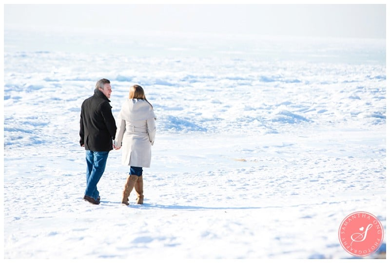 Downtown-Toronto-Snowy-Winter-Engagement-Photos-Cherry-Beach-04