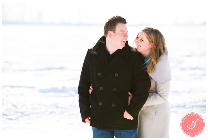 Downtown-Toronto-Snowy-Winter-Engagement-Photos-Cherry-Beach-06