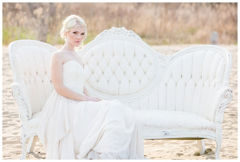 Scarborough-Bluffs-Beach-Romantic-Wedding-Photos-03