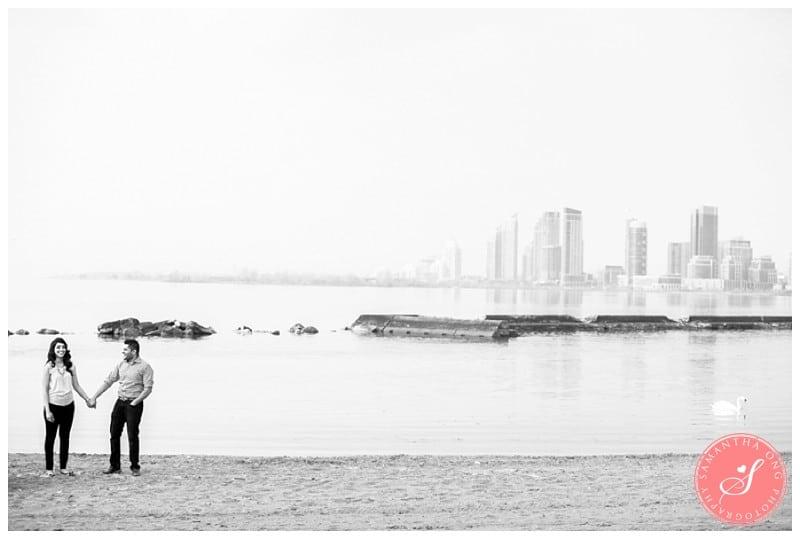 Toronto-Lake-Ontario-Engagement-Photos-05