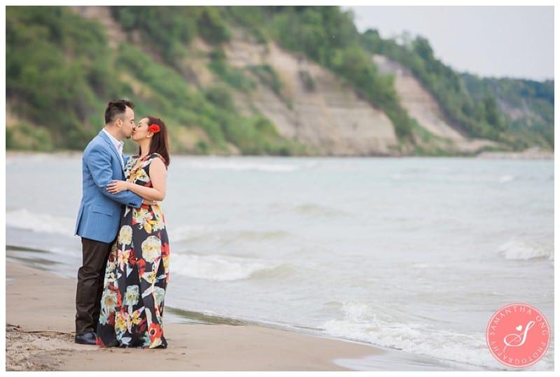 Scarborough-Bluffs-Beach-Cliff-Engagement-Photos-04