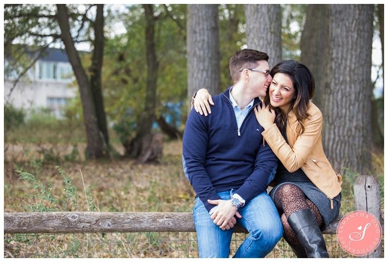 Toronto-Cherry-Beach-Fall-Engagement-Photos-04