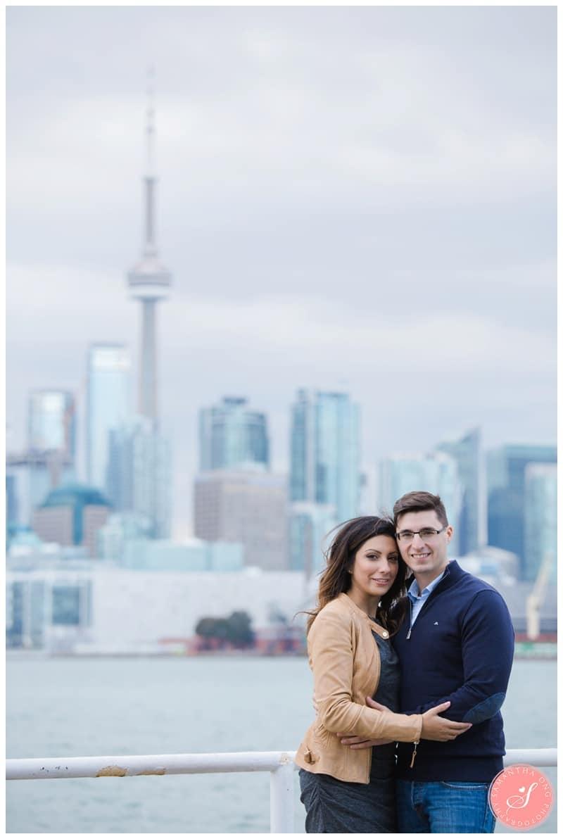 Toronto-Cherry-Beach-Fall-Engagement-Photos-08