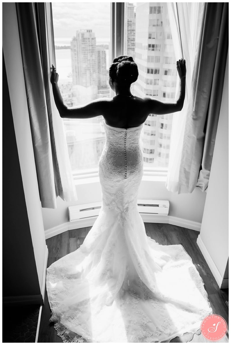 Toronto-Downtown-One-King-West-Hotel-Wedding-Photos-10