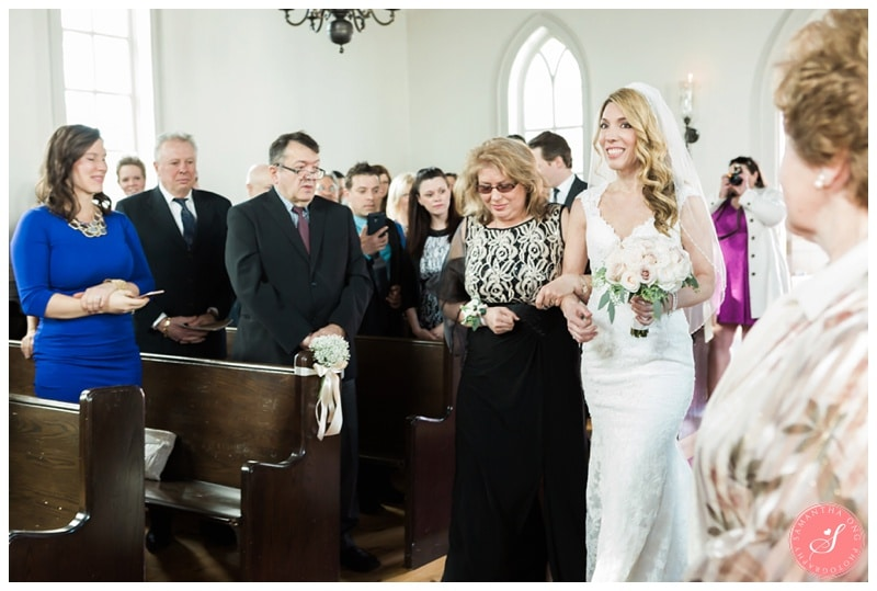Elegant-Doctors-House-Winter-Kleinburg-Wedding-Photos-10