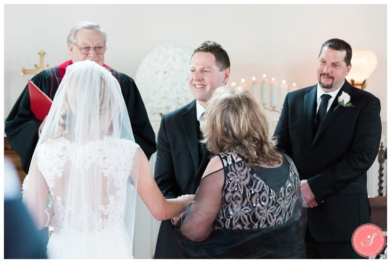 Elegant-Doctors-House-Winter-Kleinburg-Wedding-Photos-13