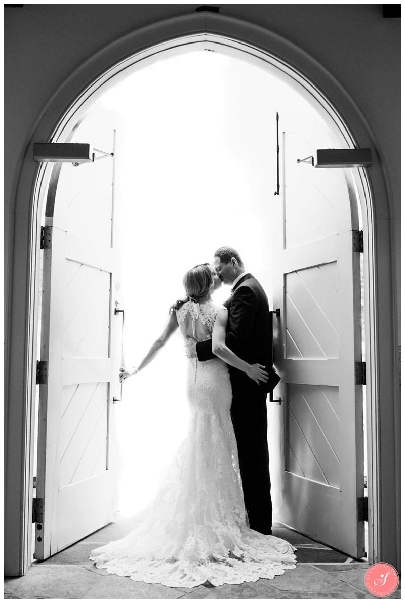 Elegant-Doctors-House-Winter-Kleinburg-Wedding-Photos-40