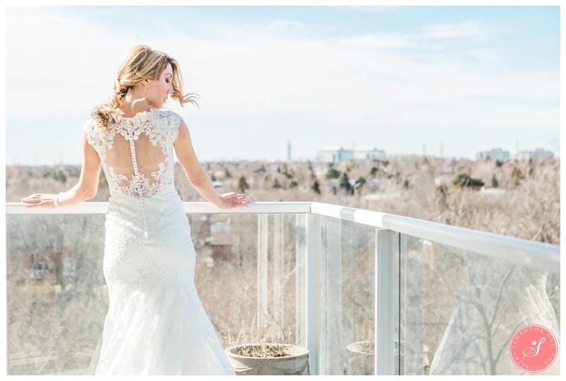 Elegant-Doctors-House-Winter-Kleinburg-Wedding-Photos-5