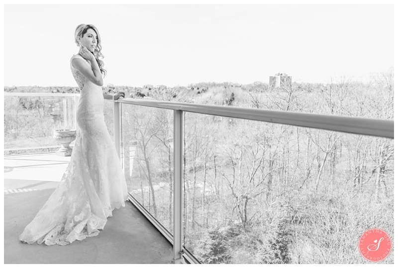 Elegant-Doctors-House-Winter-Kleinburg-Wedding-Photos-6a