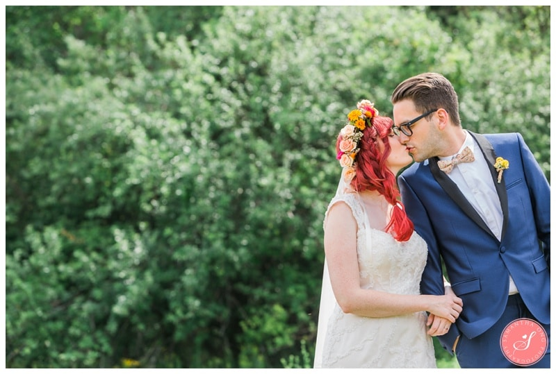 Intimate-Summer-Boho-Colourful-Cottage-Collingwood-Wedding-Photos-18