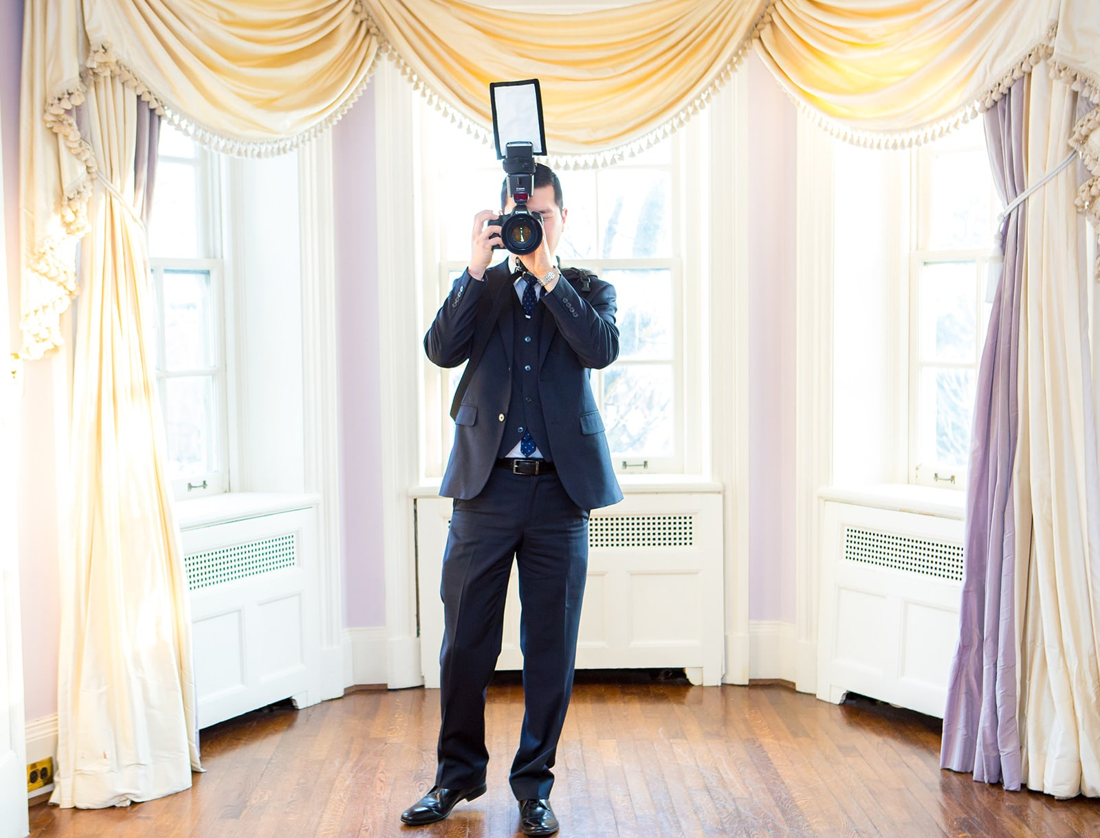 Behind The Scenes of a Wedding Photographer (and why I love my second shooter!)