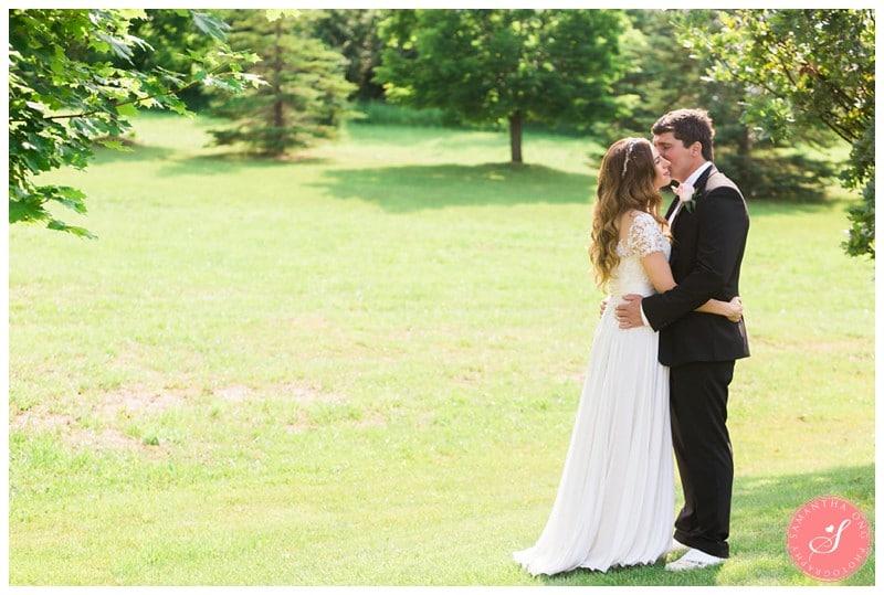 Garden-Ontario-Cottage-Summer-Wedding-Photos-16