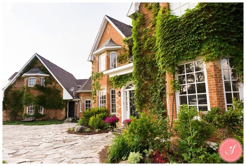 Garden-Ontario-Cottage-Summer-Wedding-Photos-3