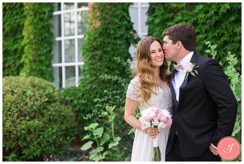 Garden-Ontario-Cottage-Summer-Wedding-Photos-7