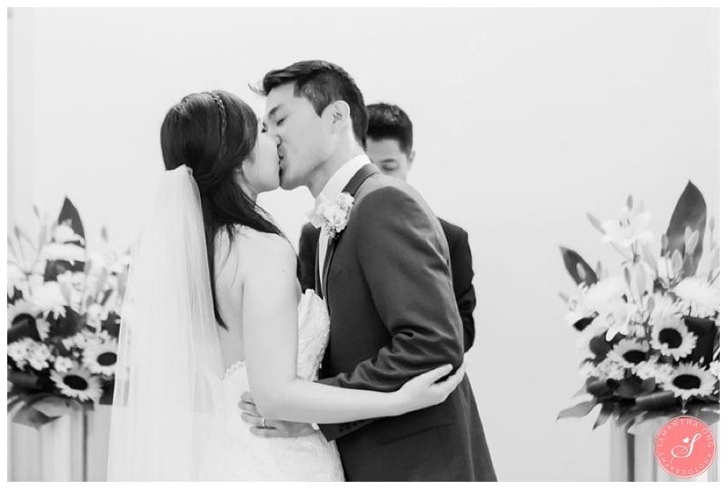 Toronto-City-Hall-Elopement-Wedding-Photos-5