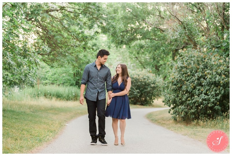 Toronto-Humber-Bay-Park-Romantic-Engagement-Photos-14
