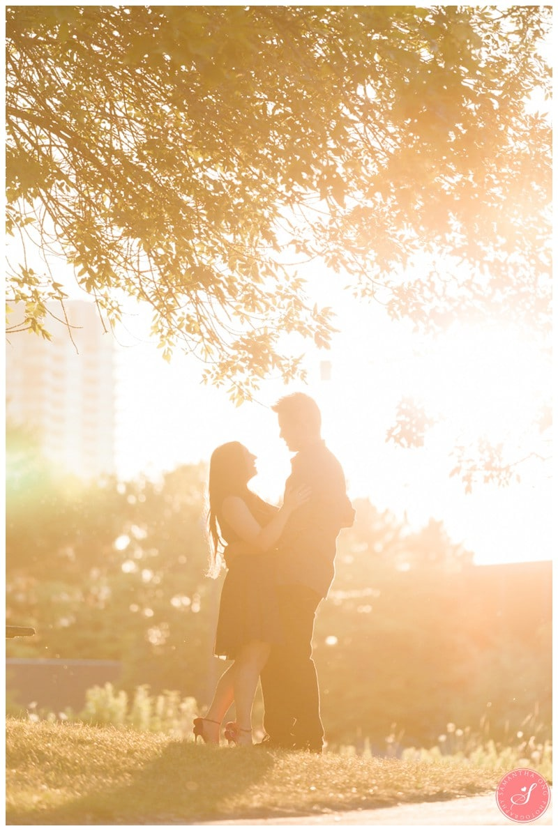 Toronto-Humber-Bay-Park-Romantic-Engagement-Photos-5