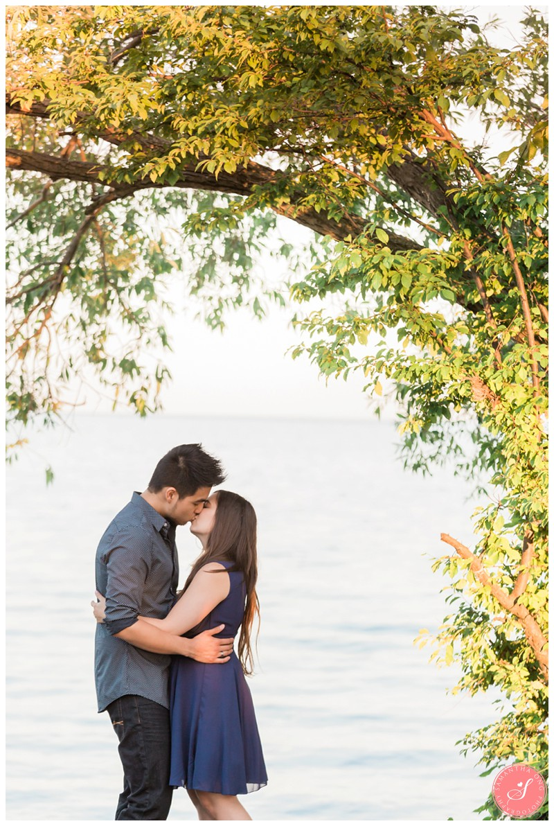 Toronto-Humber-Bay-Park-Romantic-Engagement-Photos-6