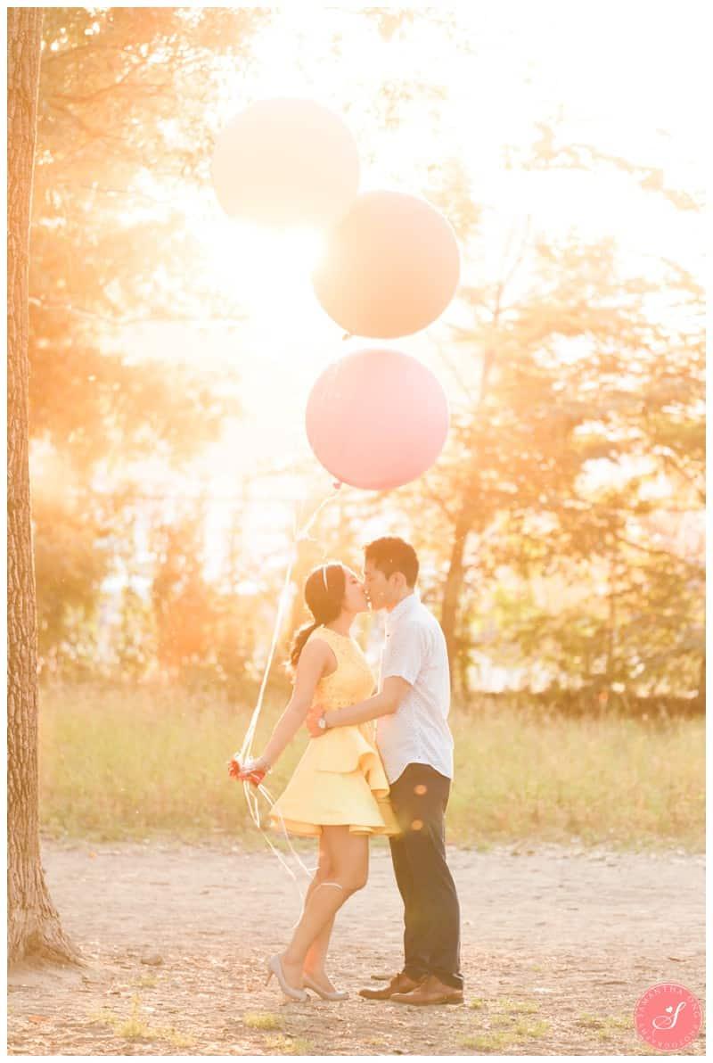 Toronto-Whimsical-Engagement-Photos-Cherry-Beach-00004