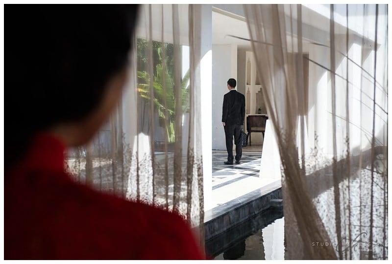 Bali-Uluwatu-Villa-Anugrah-Wedding-Photos-24-First-Look