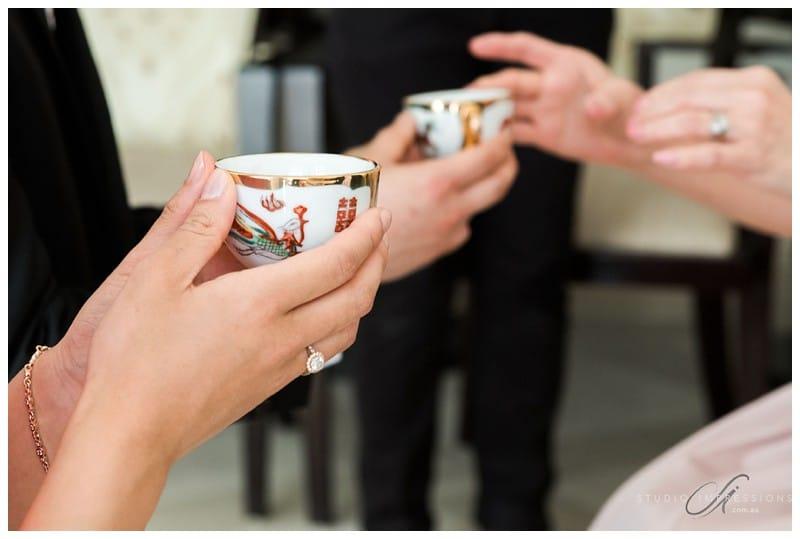 Bali-Uluwatu-Villa-Anugrah-Wedding-Photos-34-Chinese-Tea-Ceremony