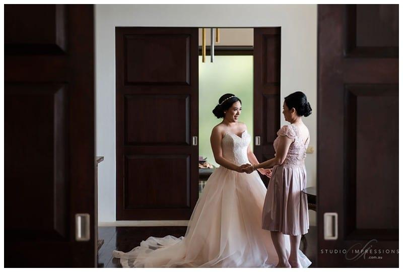Bali-Uluwatu-Villa-Anugrah-Wedding-Photos-48-Bridal-Prep
