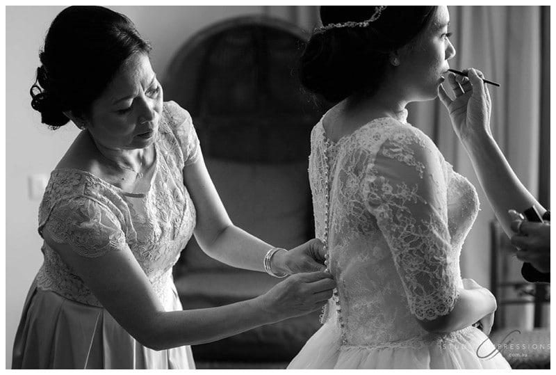 Bali-Uluwatu-Villa-Anugrah-Wedding-Photos-49-Bridal-Prep
