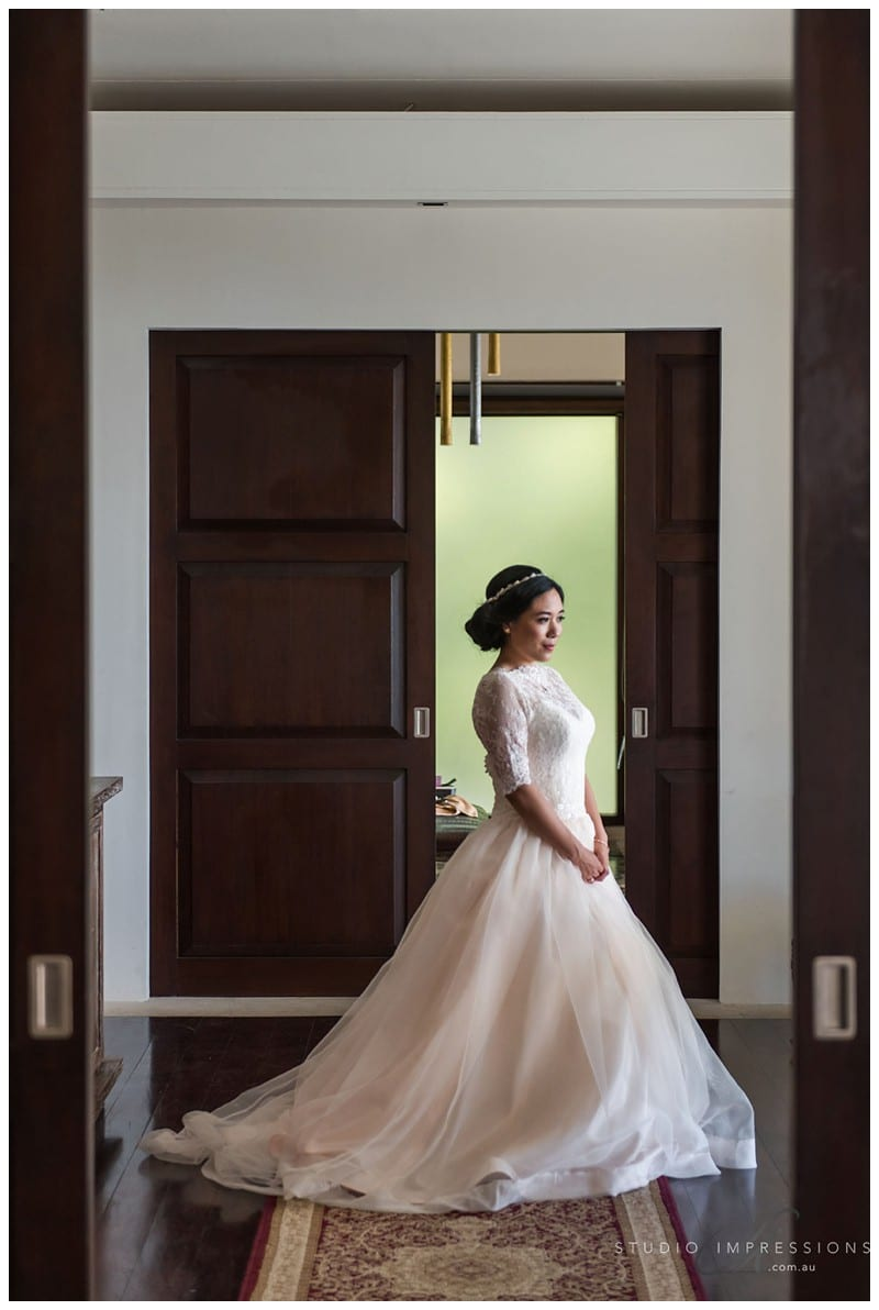 Bali-Uluwatu-Villa-Anugrah-Wedding-Photos-51-Bridal-Prep
