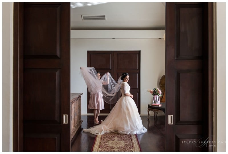Bali-Uluwatu-Villa-Anugrah-Wedding-Photos-52-Bridal-Prep