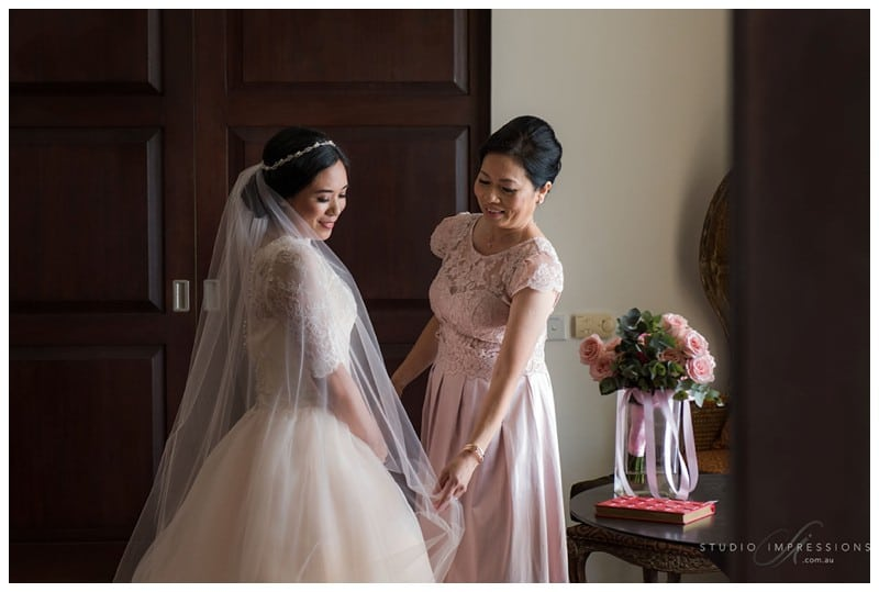 Bali-Uluwatu-Villa-Anugrah-Wedding-Photos-53-Bridal-Prep