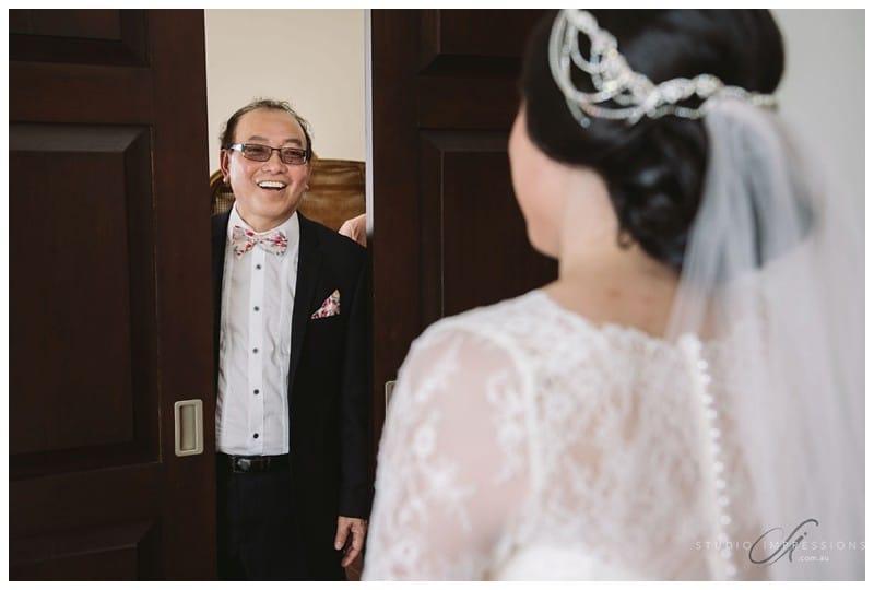 Bali-Uluwatu-Villa-Anugrah-Wedding-Photos-56-Dad-Reveal