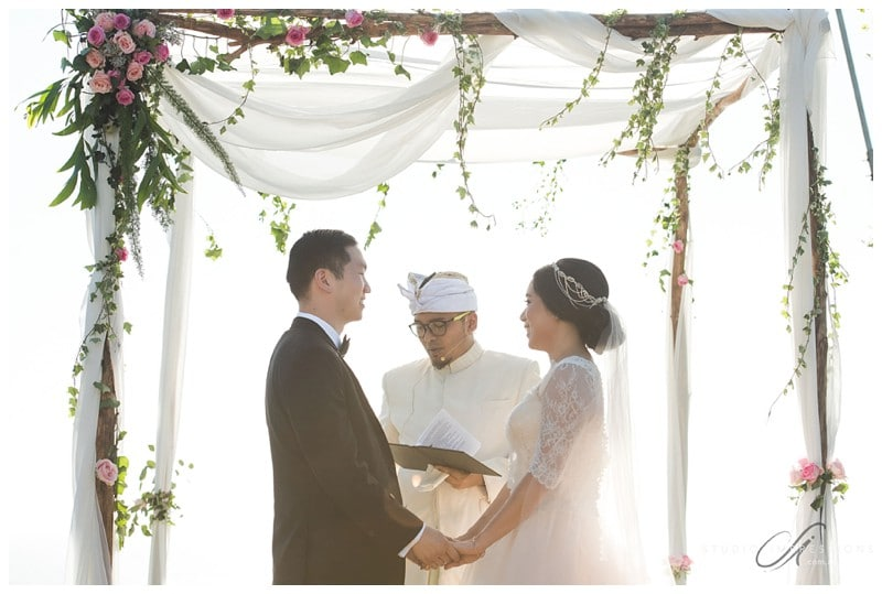 Bali-Uluwatu-Villa-Anugrah-Wedding-Photos-65-Ceremony