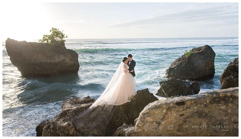 Bali-Uluwatu-Villa-Anugrah-Wedding-Photos-78-Beach-Portraits