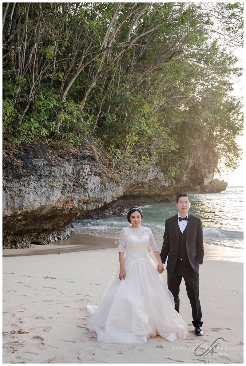Bali-Uluwatu-Villa-Anugrah-Wedding-Photos-82-Beach-Portraits