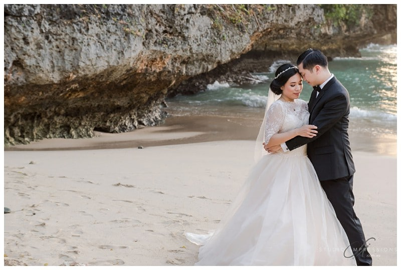 Bali-Uluwatu-Villa-Anugrah-Wedding-Photos-84-Beach-Portraits