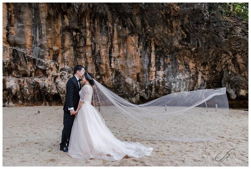 Bali-Uluwatu-Villa-Anugrah-Wedding-Photos-88-Beach-Portraits