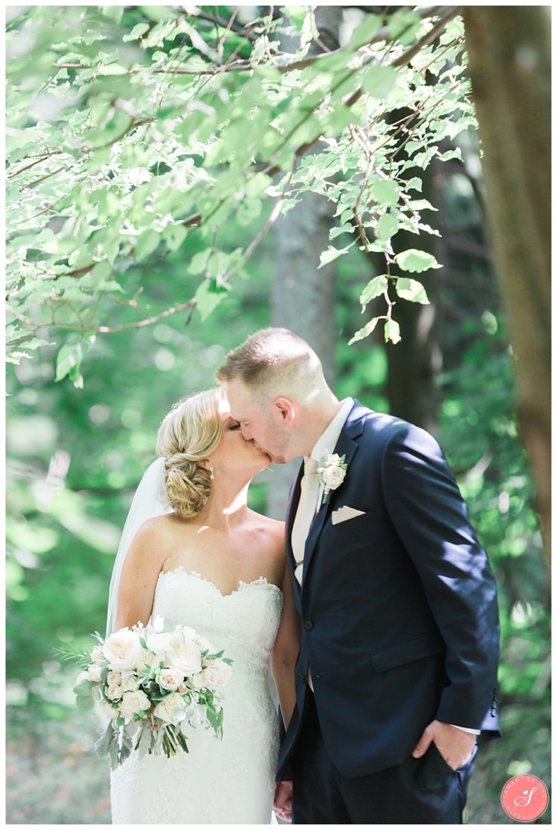 Glenerin-Inn-Mississauga-Romantic-Summer-Wedding-Photos-44-Bride-Groom-Portraits