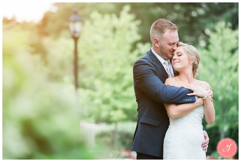 Glenerin-Inn-Mississauga-Romantic-Summer-Wedding-Photos-66-Bride-Groom-Portrait