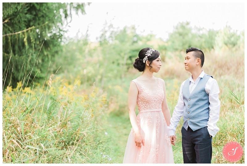 kortright-fairytale-romantic-whimsical-fields-wedding-photos-0002