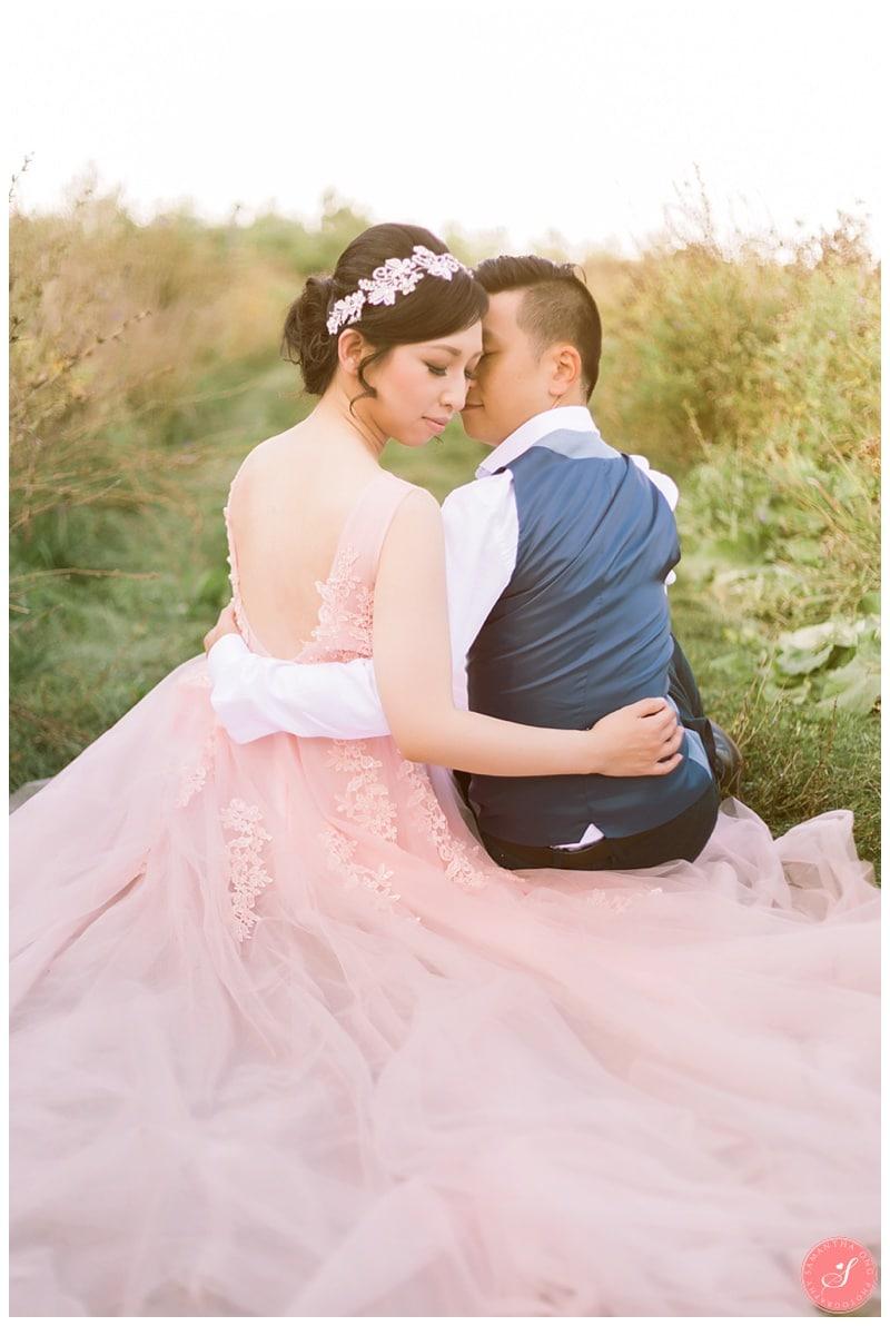kortright-fairytale-romantic-whimsical-fields-wedding-photos-0006