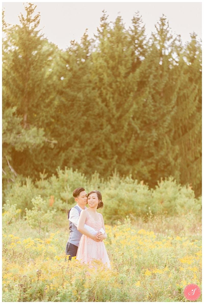kortright-fairytale-romantic-whimsical-fields-wedding-photos-0007