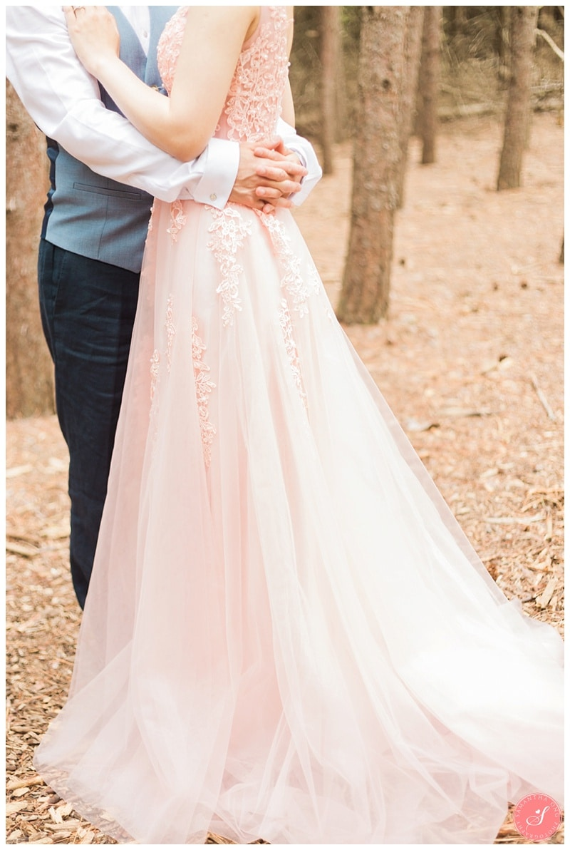 kortright-romantic-whimsical-wedding-forest-woodsy-photos-0002
