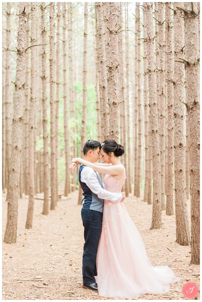 kortright-romantic-whimsical-wedding-forest-woodsy-photos-0003