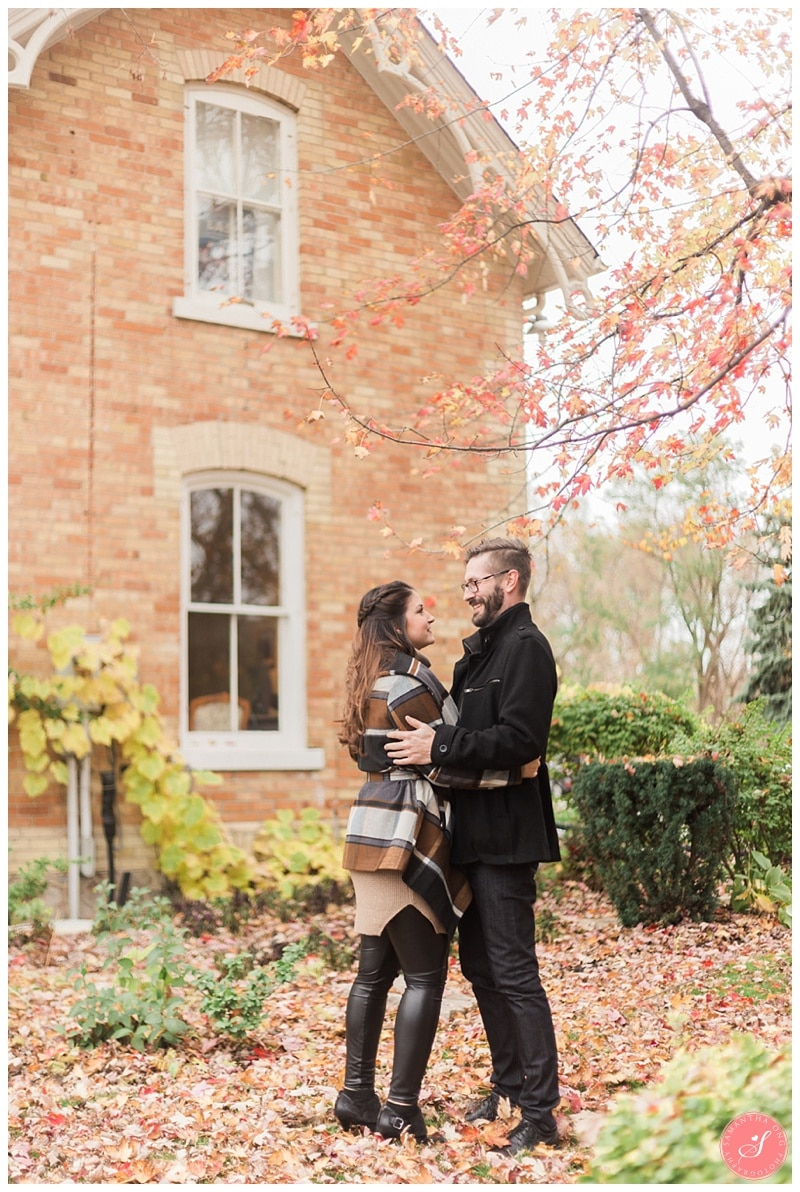 markham-unionville-fall-engagement-photos-5