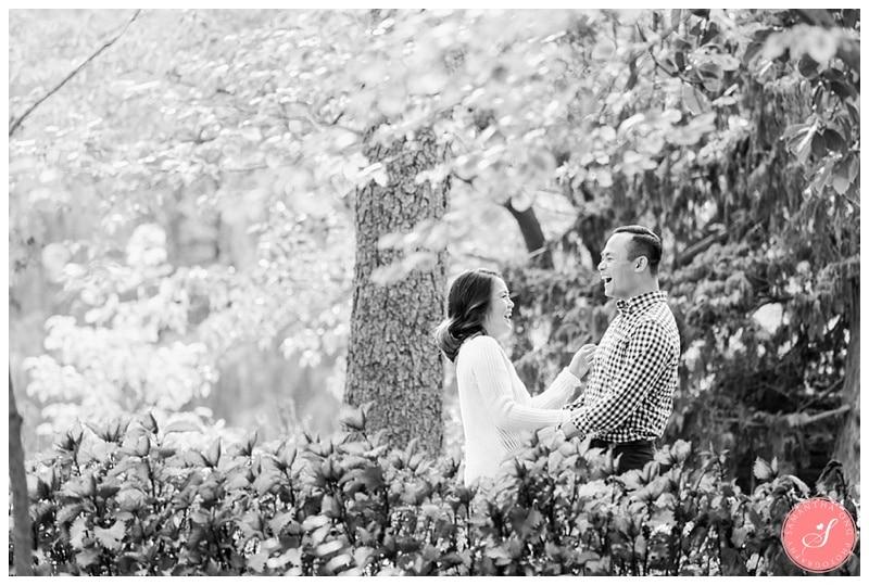 toronto-edward-gardens-fall-engagement-photos-2