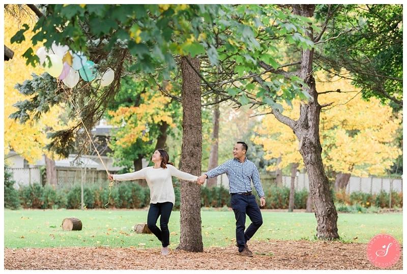 toronto-edward-gardens-fall-engagement-photos-7