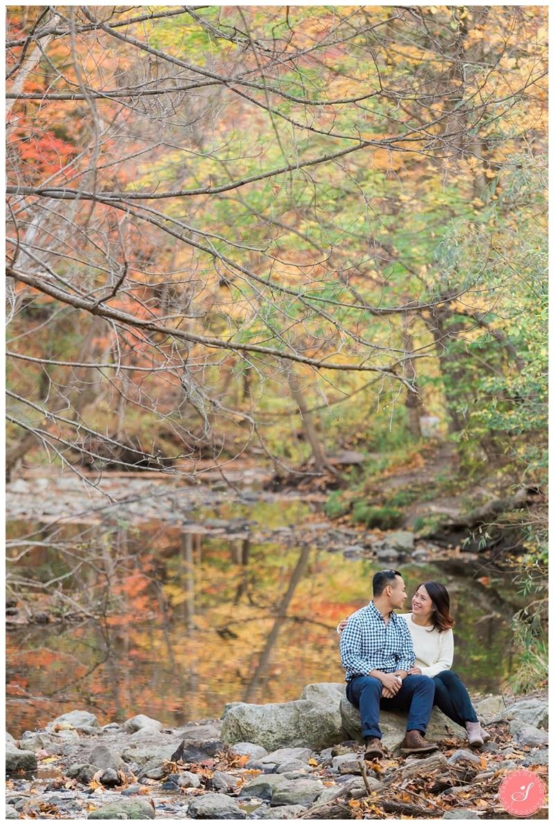 toronto-edward-gardens-fall-engagement-photos-9