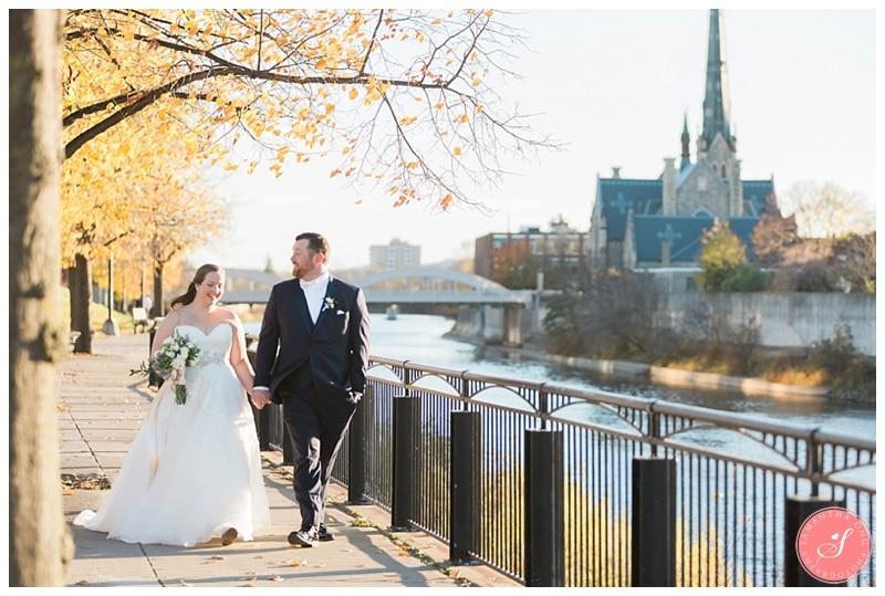 cambridge-beautiful-fall-wedding-photos-1