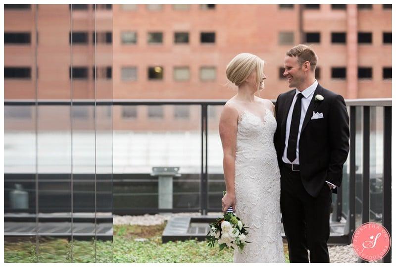 delta-hotel-toronto-wedding-photos-19