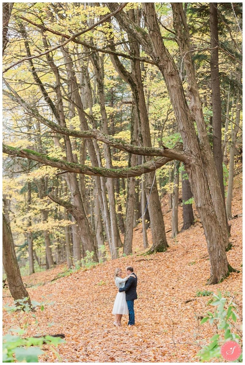 oakville-fall-forest-romantic-engagement-photos-9
